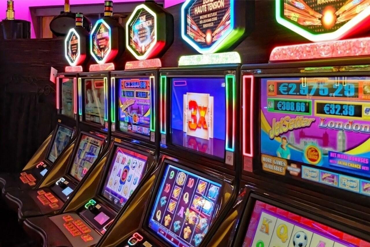 Multa de $60.000 dólares a un casino por permitir apostar a menores