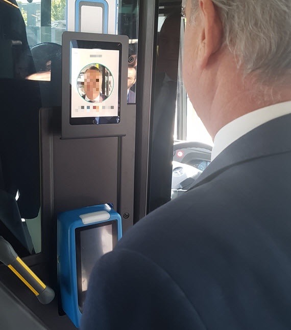Onboarding autobus