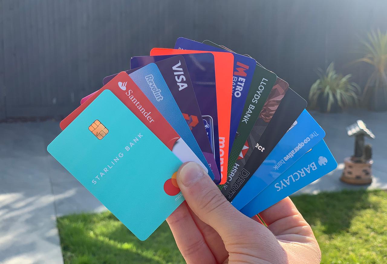 Experiencia del cliente al abrir una cuenta en 12 bancos
