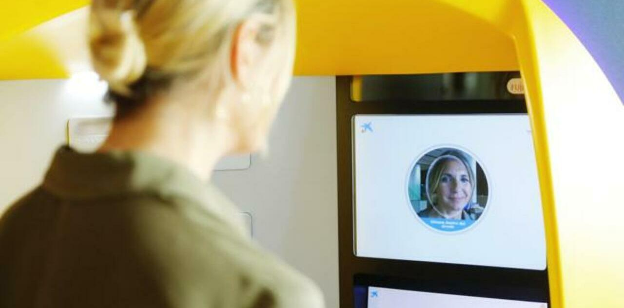 CaixaBank ya tiene cajeros con reconocimiento facial